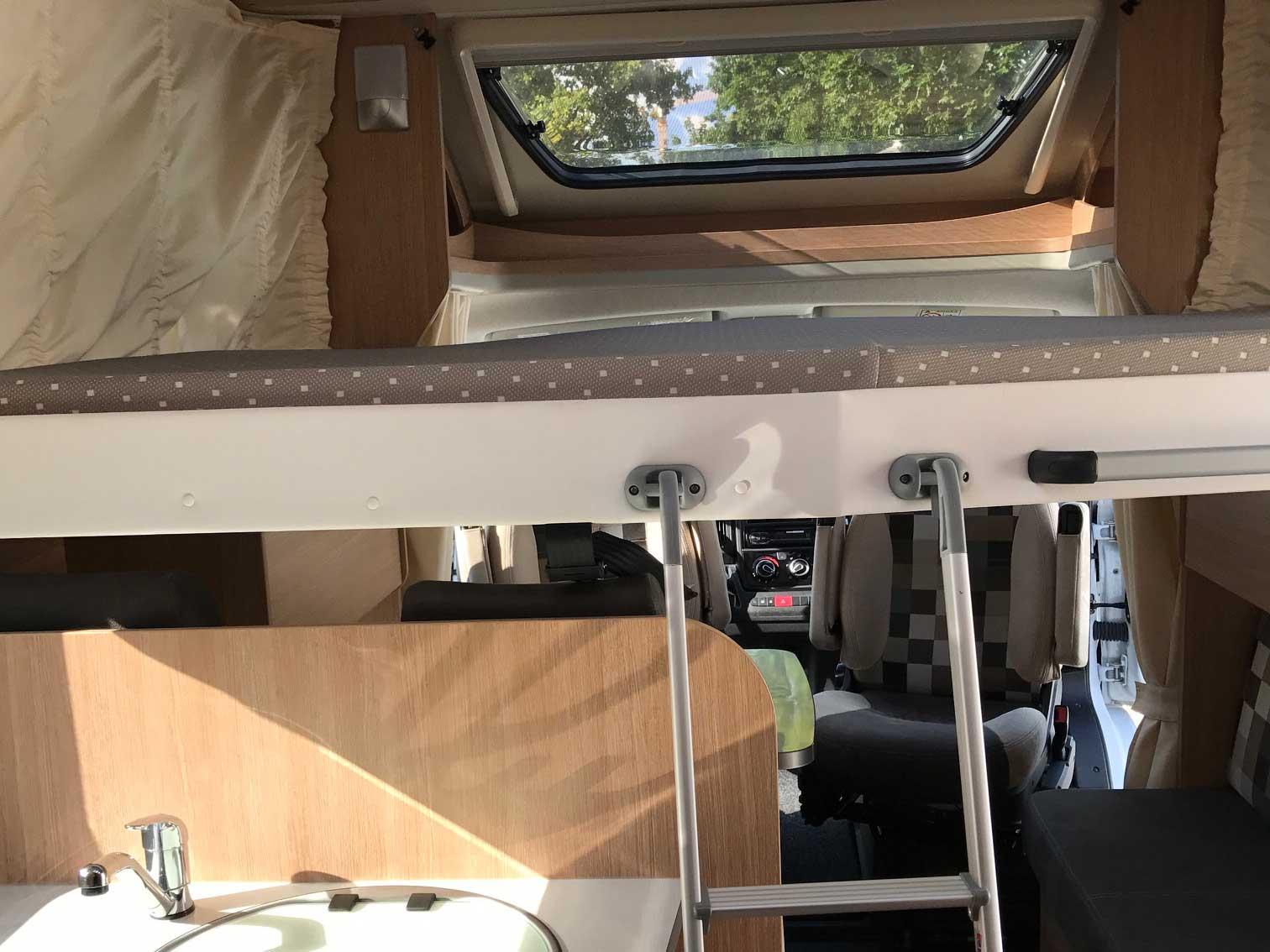 sunlight t 67 kaufen gebrauchte wohnmobile aus vermietung. Black Bedroom Furniture Sets. Home Design Ideas